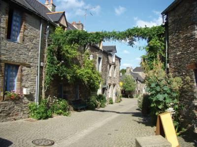 Image scolaire  une.petite.rue.fleurie.de.la.gacilly
