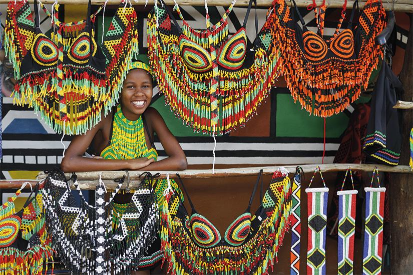 image Afrique du Sud femme zoulou vendant des souvenirs 12 it_157433350