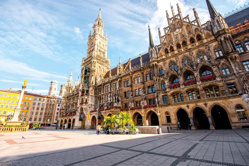 image Allemagne munich vue hotel ville principal tour horloge place marie 58 as_124642476