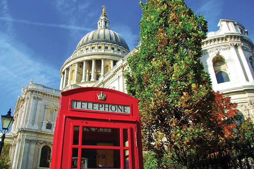 image Angleterre Londres Cabine telephonique  fo