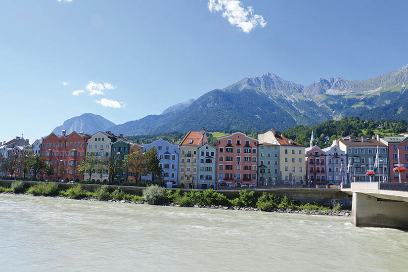 image Autriche Innsbruck Riviere Inn Batiments  it