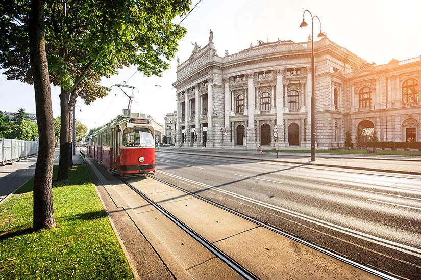 image Autriche Vienne Wiener Ringstrasse tramway  it