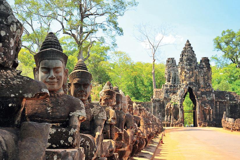 image Cambodge Stone Gate dAngkor Thom  fo