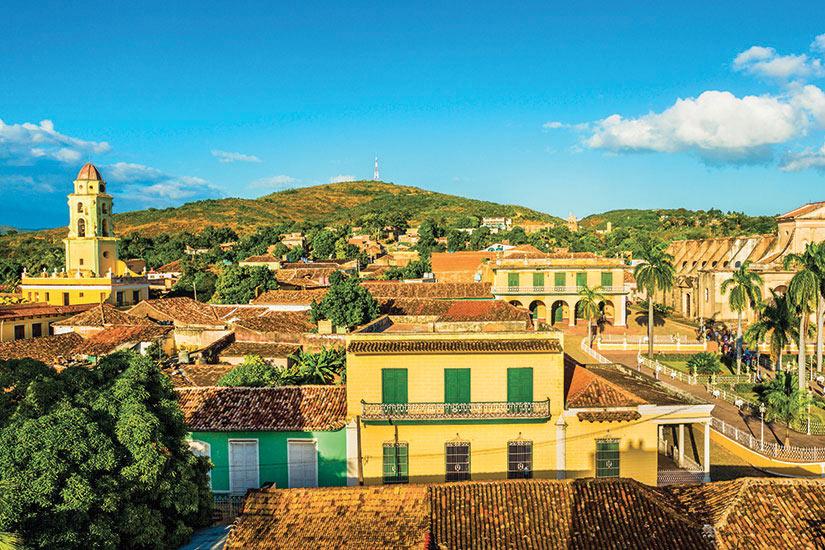 image Cuba Trinidad Vue panoramique avec l eglise et hotel de ville  it