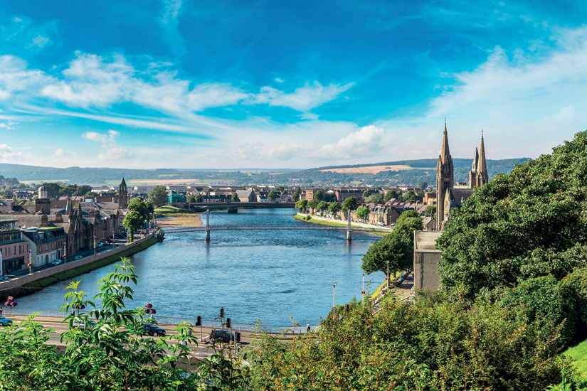 image Ecosse inverness paysage urbain 98 fo_134902222