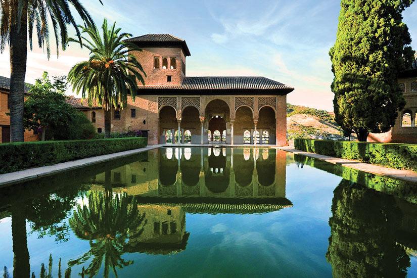 circuit en espagne l 39 andalousie le jardin d 39 arabesques 8 jours nationaltours. Black Bedroom Furniture Sets. Home Design Ideas