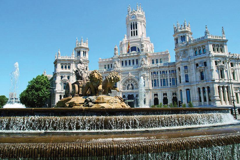 image Espagne Madrid Plaza de Cibeles et Palais des Communications  it
