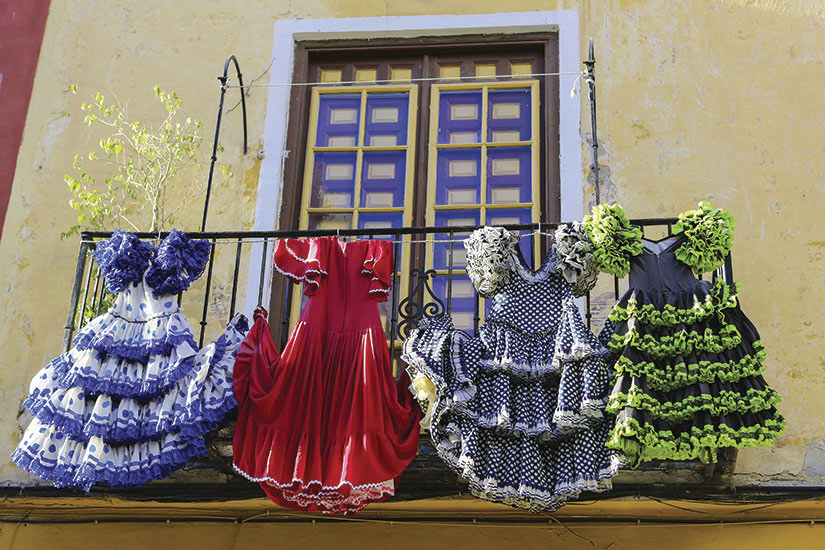 image Espagne Malaga Seville Flamenco robes  it