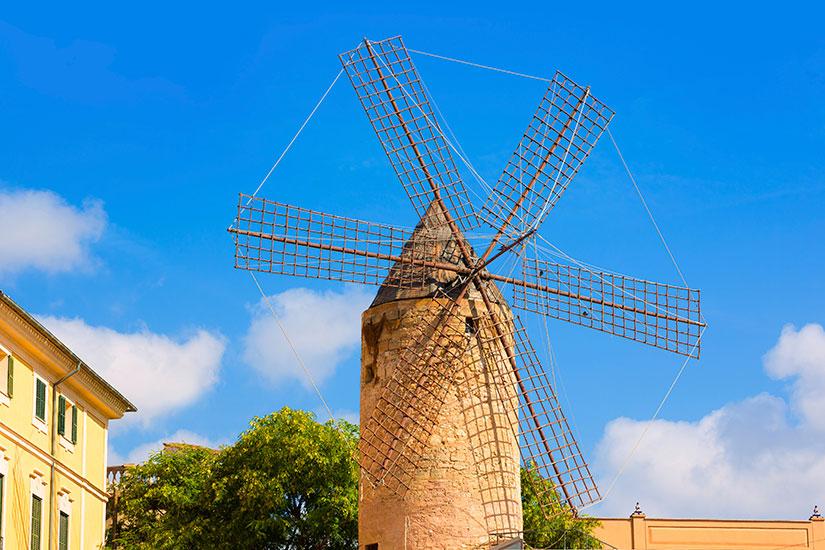 image Espagne Palma Majorque moulins  it