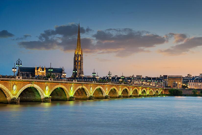 image France Bordeaux Pont Pierre Basilique Saint Michel  fo