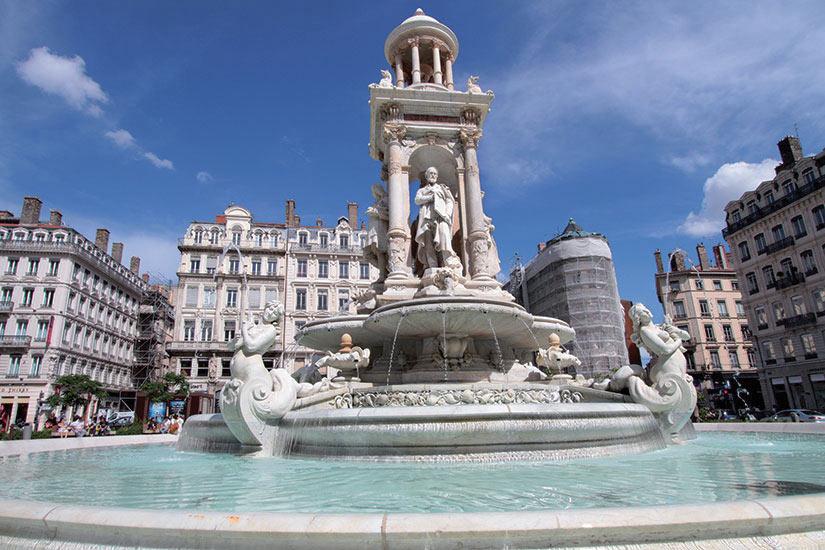 image France Lyon La fontaine de la place des Jacobins  fo