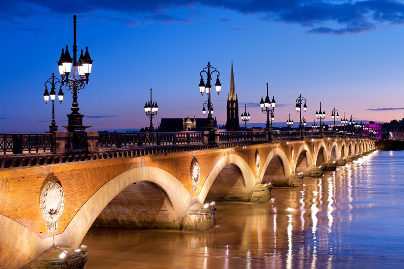 image France bordeaux pont pierre 25 as_61128807