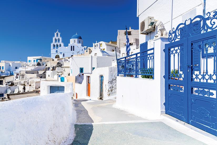 image Grece Cyclades Santorin Pyrgos as_179238288
