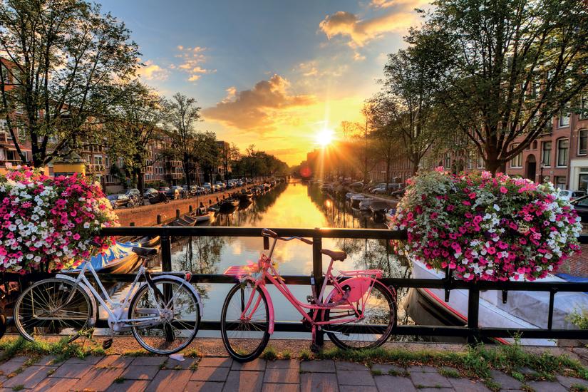image Hollande amsterdam eau lever soleil pays bas fleurs velos pont printemps 38 fo_91108597