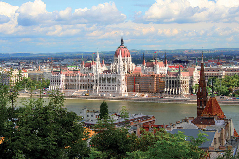 image Hongrie Budapest Parlement Danube  it