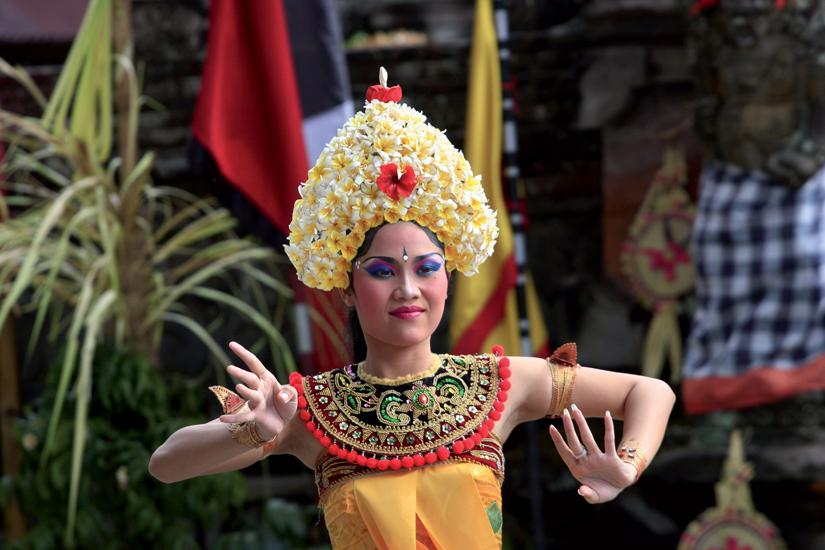 image Indonesie bali danseuse balinaise barong temple 13 fo_19976335