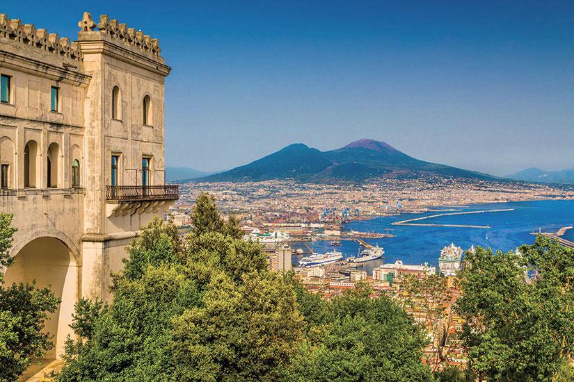 image Italie Campanie Vue aerienne de Naples avec Mont Vesuve  fo