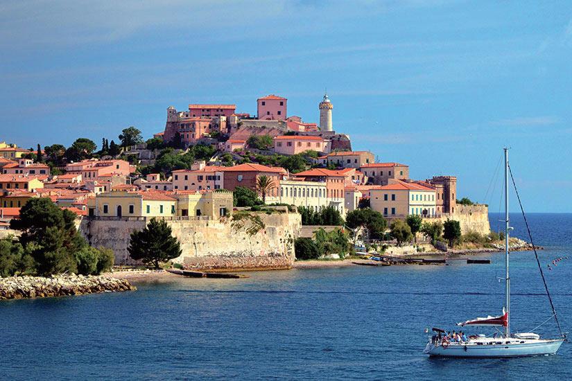 image Italie Ile Elbe Le port  fo