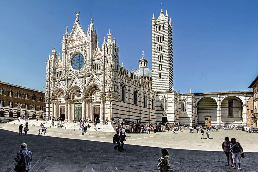 image Italie Milan Sienne Piazza Duomo  fo
