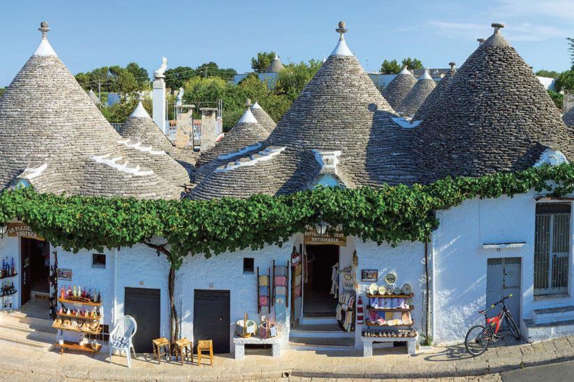 image Italie Pouilles Alberobello maisons typiques  fo