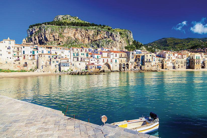 image Italie Sicile Cefalu vue front de mer  fo