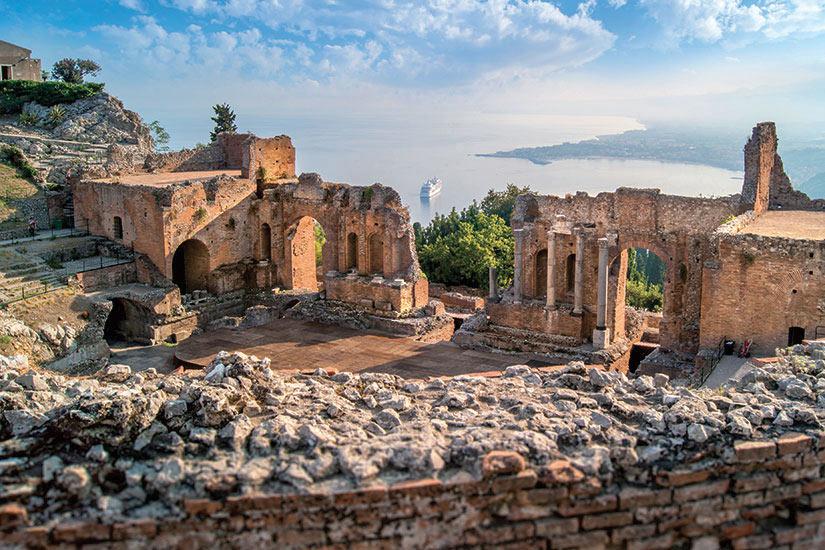 image Italie Sicile Taormine theatre grec  fo
