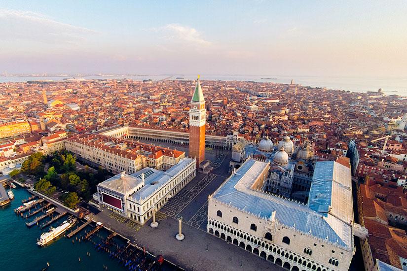 image Italie Venise place saint Marc  it