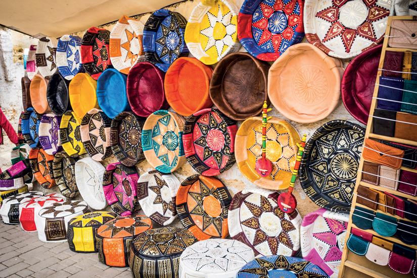 image Maroc souk fes boutique artisanale cuir marocain colore 26 fo_81848413