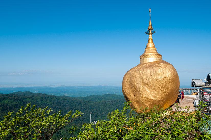image Myanmar Rocher Or Kyaiktiyo  it