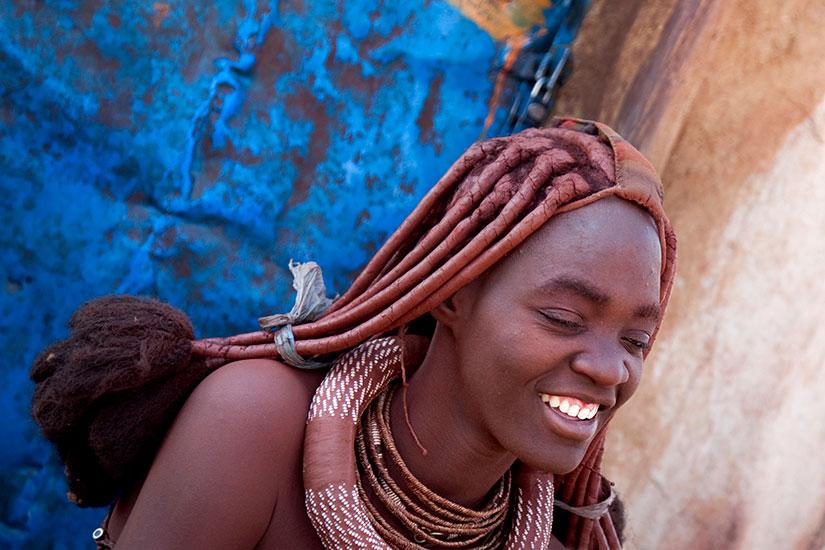 image Namibie Souriant Himba femme  it