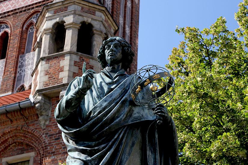 image Pologne Torun Monument Copernic  fo