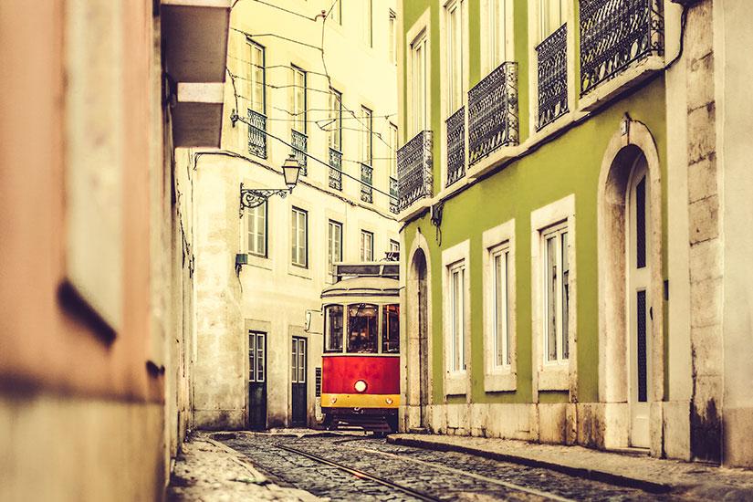 image Portugal Lisbonne tram  it