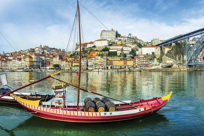 image Portugal Porto bateaux traditionnels  fo