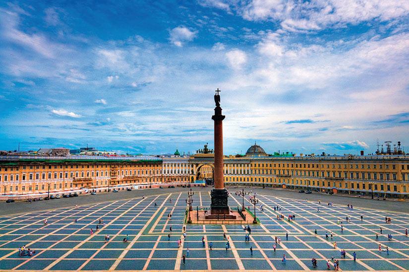 image Russie Saint Petersbourg Monument la colonne Alexander Place du palais  it