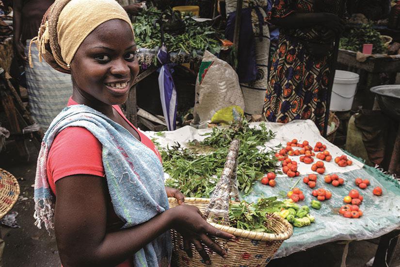 image Senegal marche femme  it
