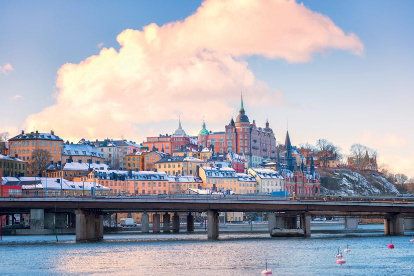image Suede stockholm ville hiver neige gamla stan maison colore pont 35 it_471485746