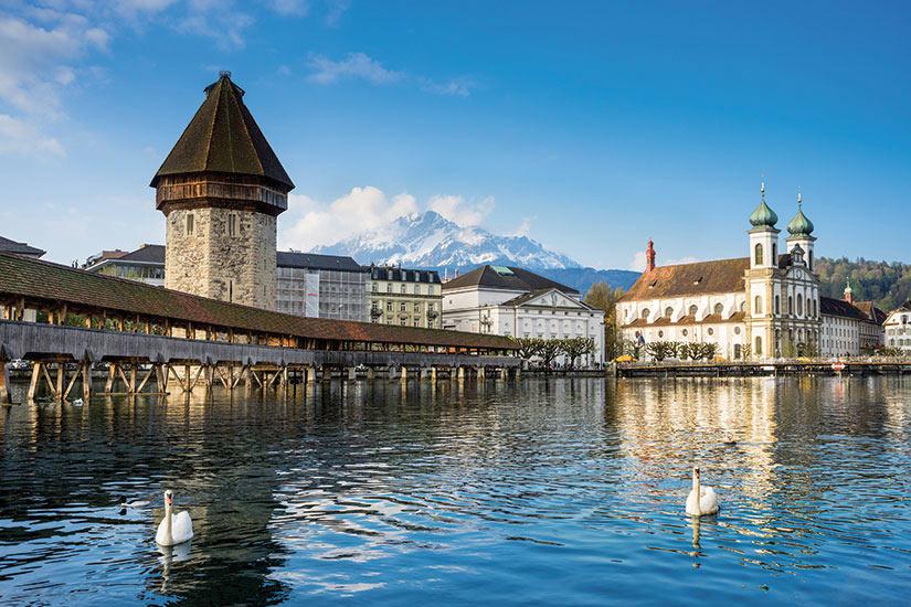 image Suisse Lucerne pont de la chapelle  fo