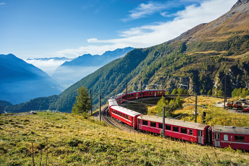 image Suisse tirano graubunden partir alp train 60 as_123923398
