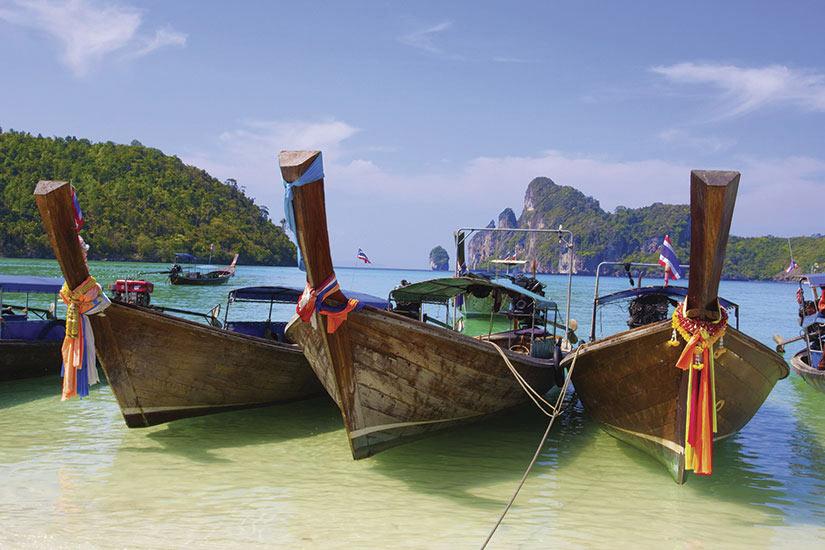 image Thailande Phuket bateau dans la baie  it
