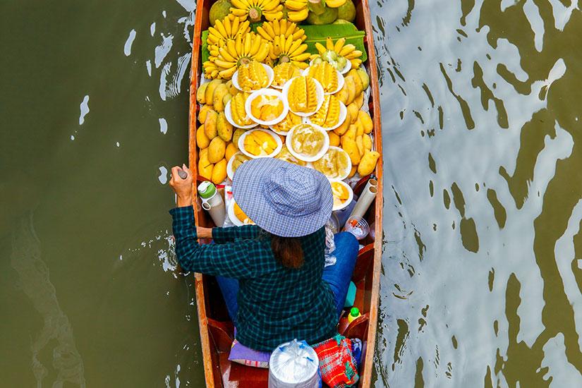 image Thailande Ratchaburi marche flottant  fo
