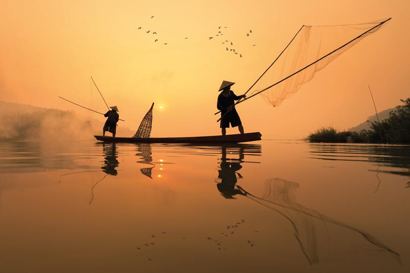 image Thailande nong khai pecheur peche dans fleuve mekong 06 as_107726211