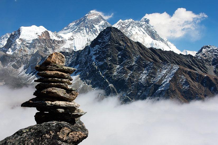 image Tibet vue sur Everest avec la pierre homme de Gokyo Ri  fo