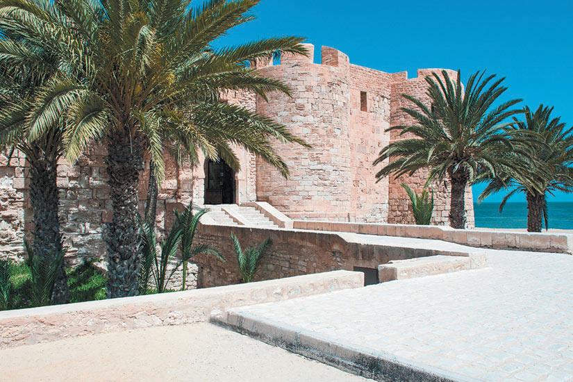 image Tunisie Djerba la forteresse turque Ghazi Mustaph  it