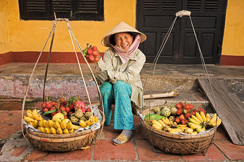 image Vietnam Hoi An Vendeur fruits  it