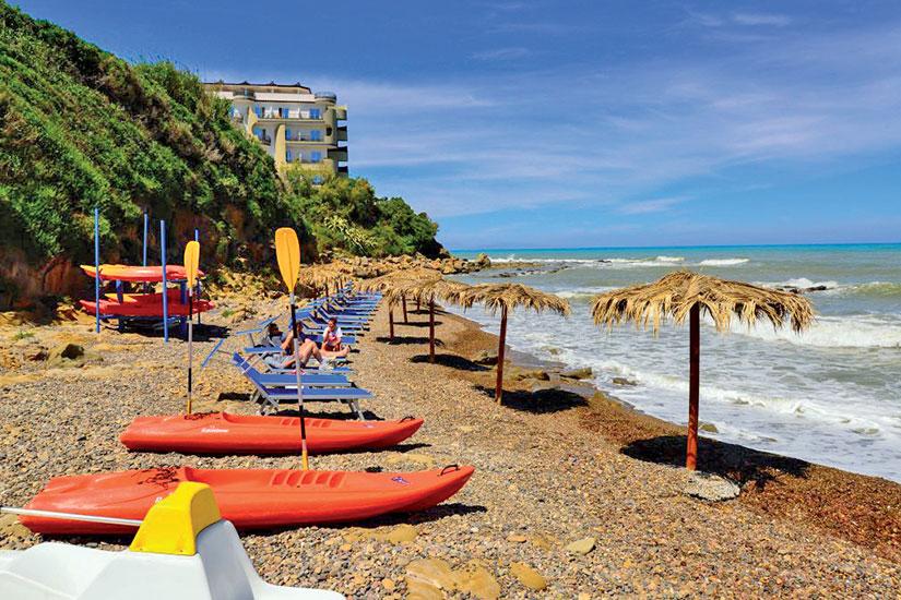 image sicile hotel club cefalu plage