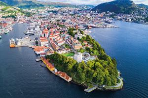 1 vue aerienne de la vieille ville de bergen bergen norvege 48 as_169478564