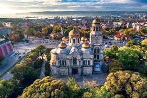 vignette Bulgarie varna cathedrale assomption vue aerienne 07 fo_125791953