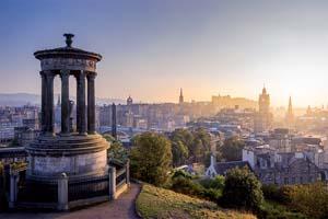 vignette Edimbourg ville en hiver de Calton hill Scotland UK 19 as_87360427