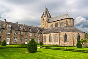 vignette France Normandie lonlay abbaye 01_is_153215396