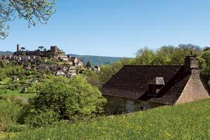 vignette Turenne en Correze plus beaux villages de France 16 as_83169435